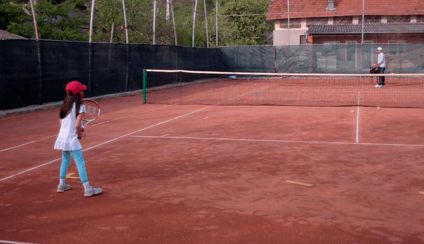 tennis pusher