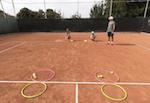 fun tennis game - red hula / green hula
